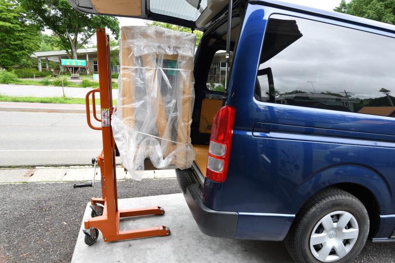 薪とペレットのハイブリッドモデルAKIMIXを北軽井沢店に展示