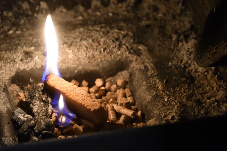アキミックスのペレット着火方法