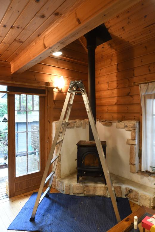 既存煙突と薪ストーブの入れ替え